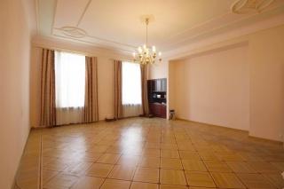 продать элитное жилье в центре С-Петербург