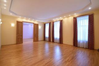 продаю квартиру в центре С-Петербург
